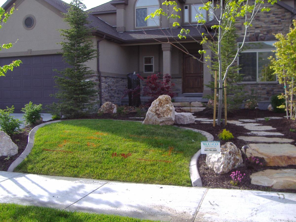 Front Yard Landscaping With Rocks 33
