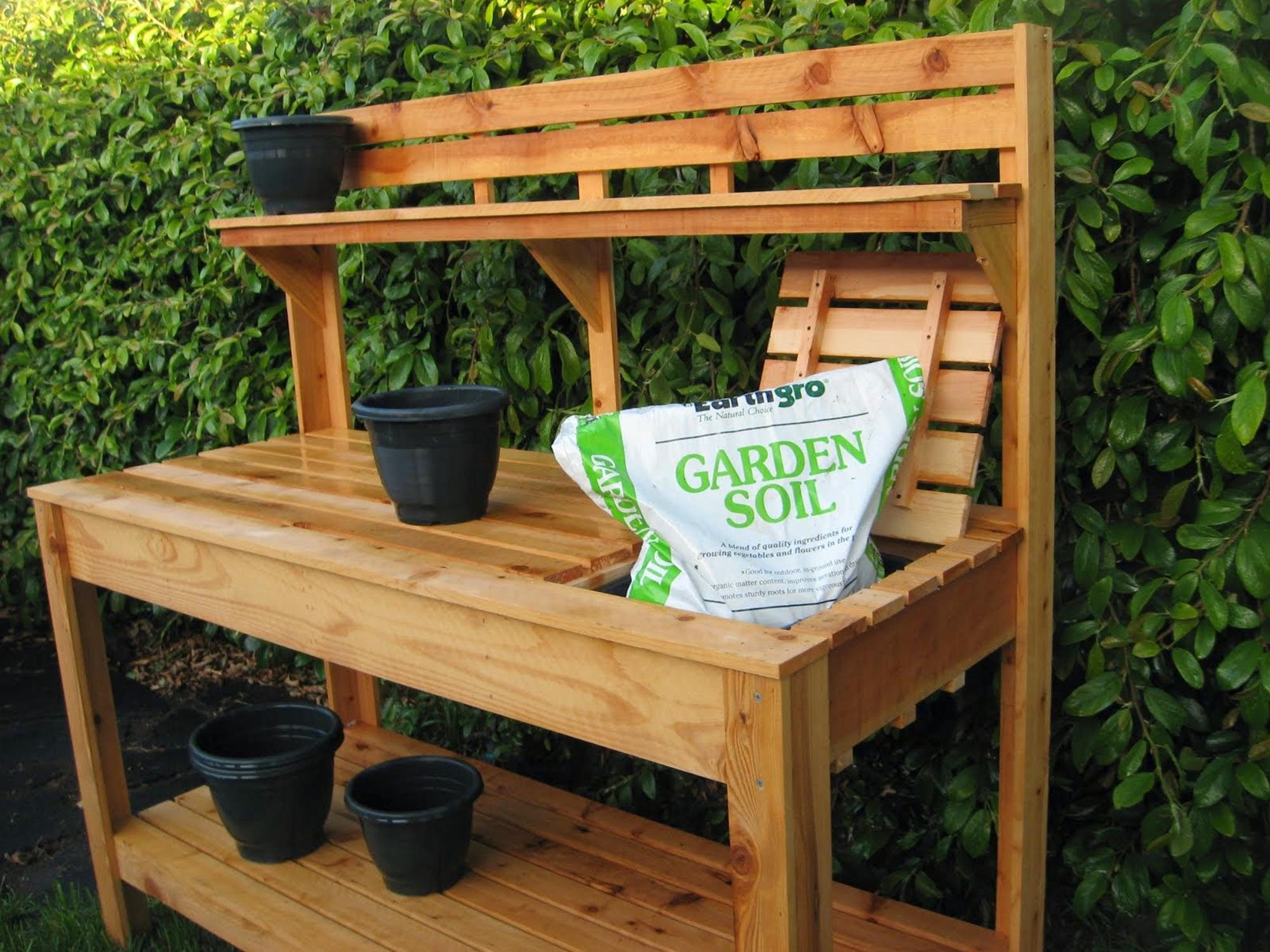 Outdoor Garden Potting Bench Design Ideas 14