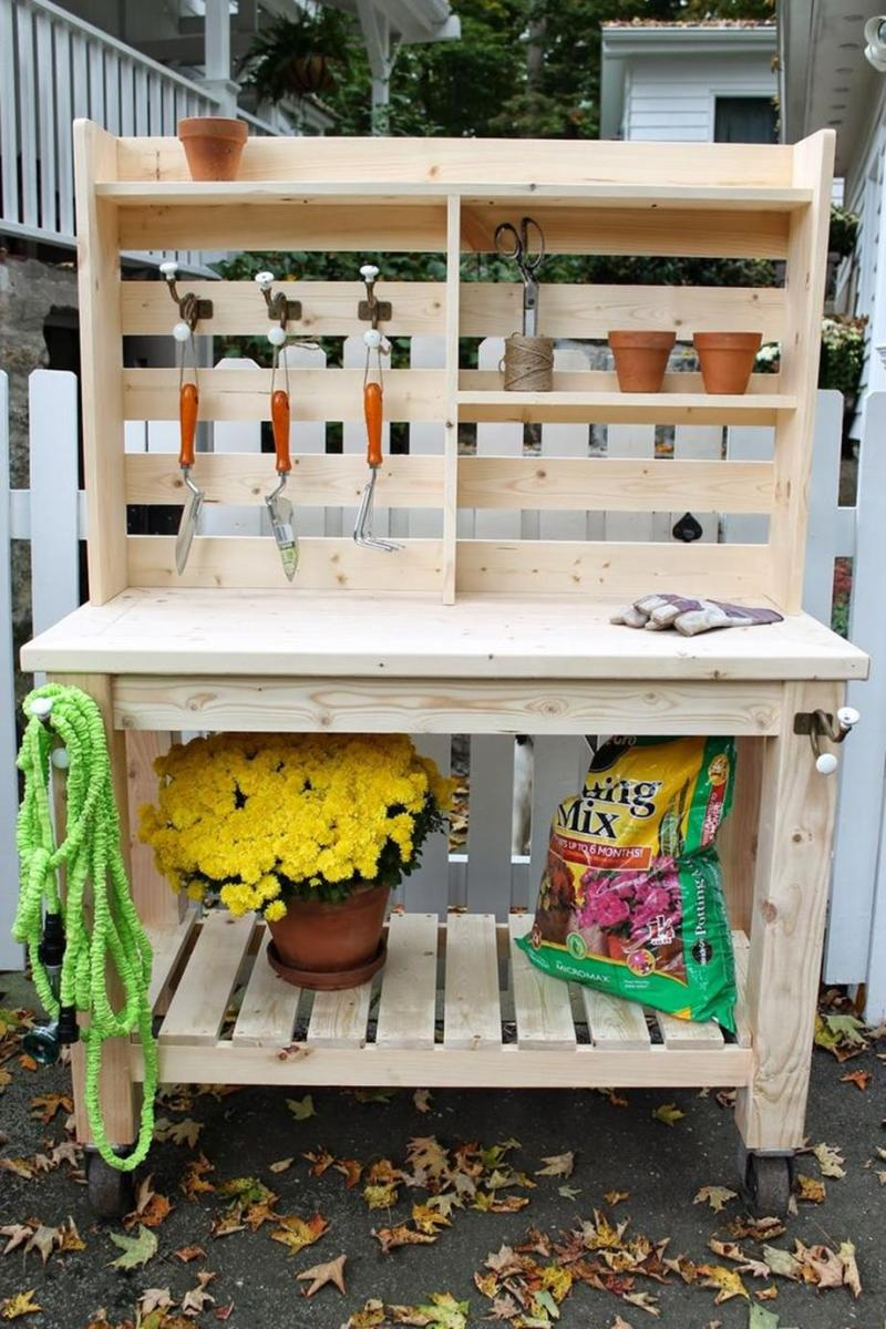 Outdoor Garden Potting Bench Design Ideas 16