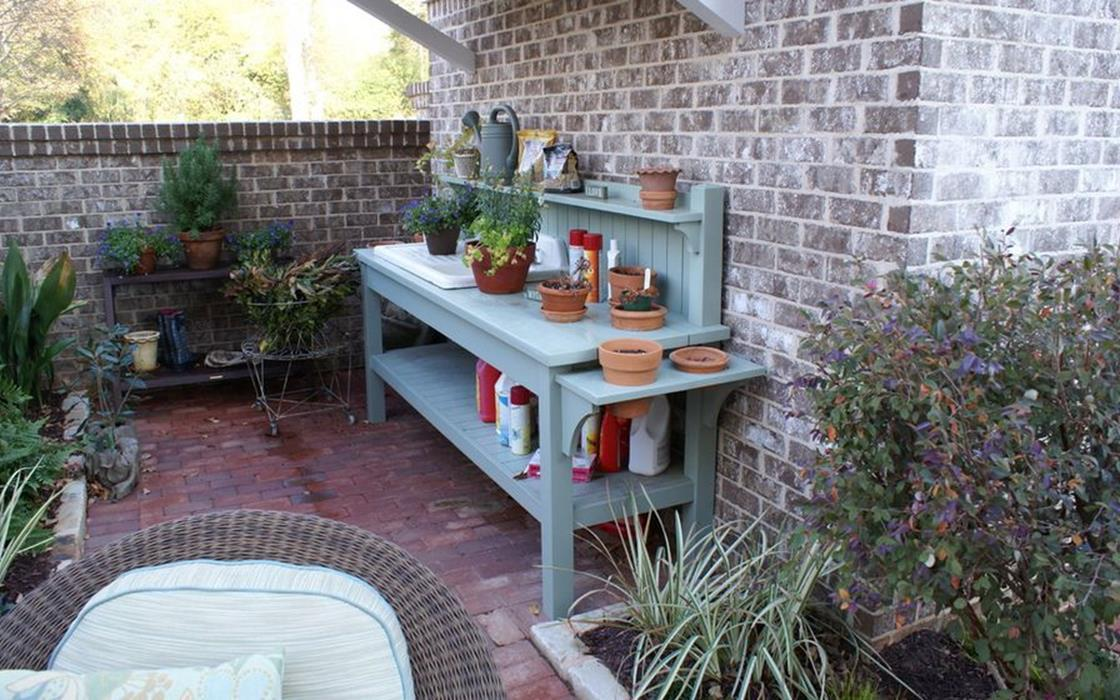Outdoor Garden Potting Bench Design Ideas 29
