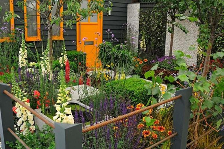 Best Plants for a Cottage Garden and Design Ideas 8