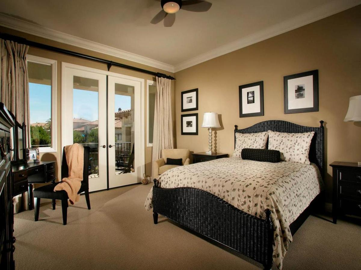 Blue And Beige Bedrooms Decorating Ideas 41