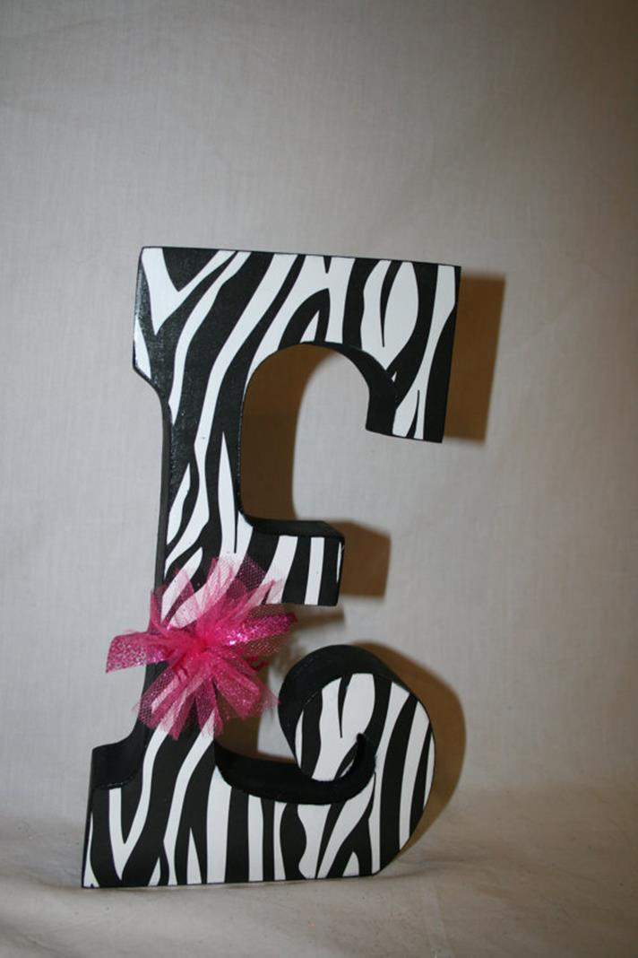 College Dorm Wall Decor For Girl 29