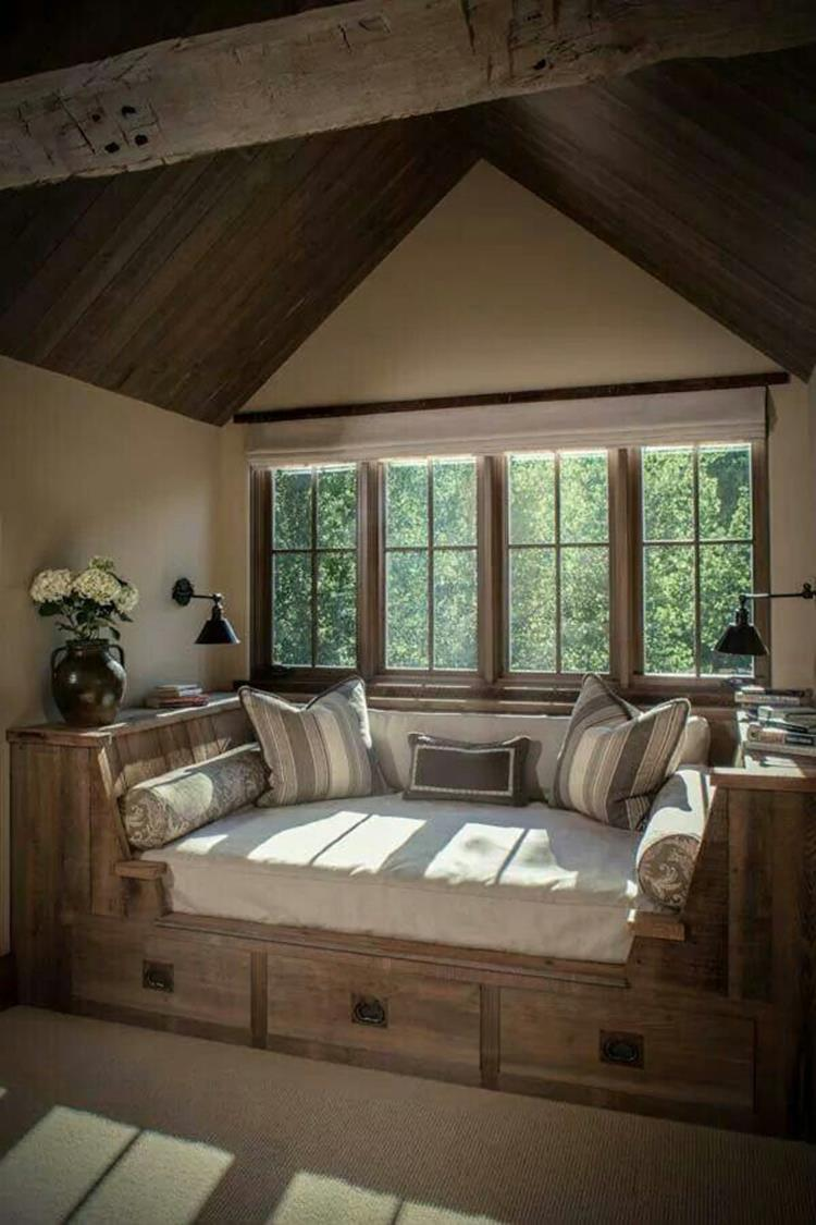 Cozy Romantic Relaxing Bedroom Color Ideas 11