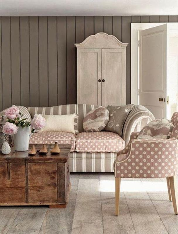 Shabby Chic Living Room Decorating on A Budget 15