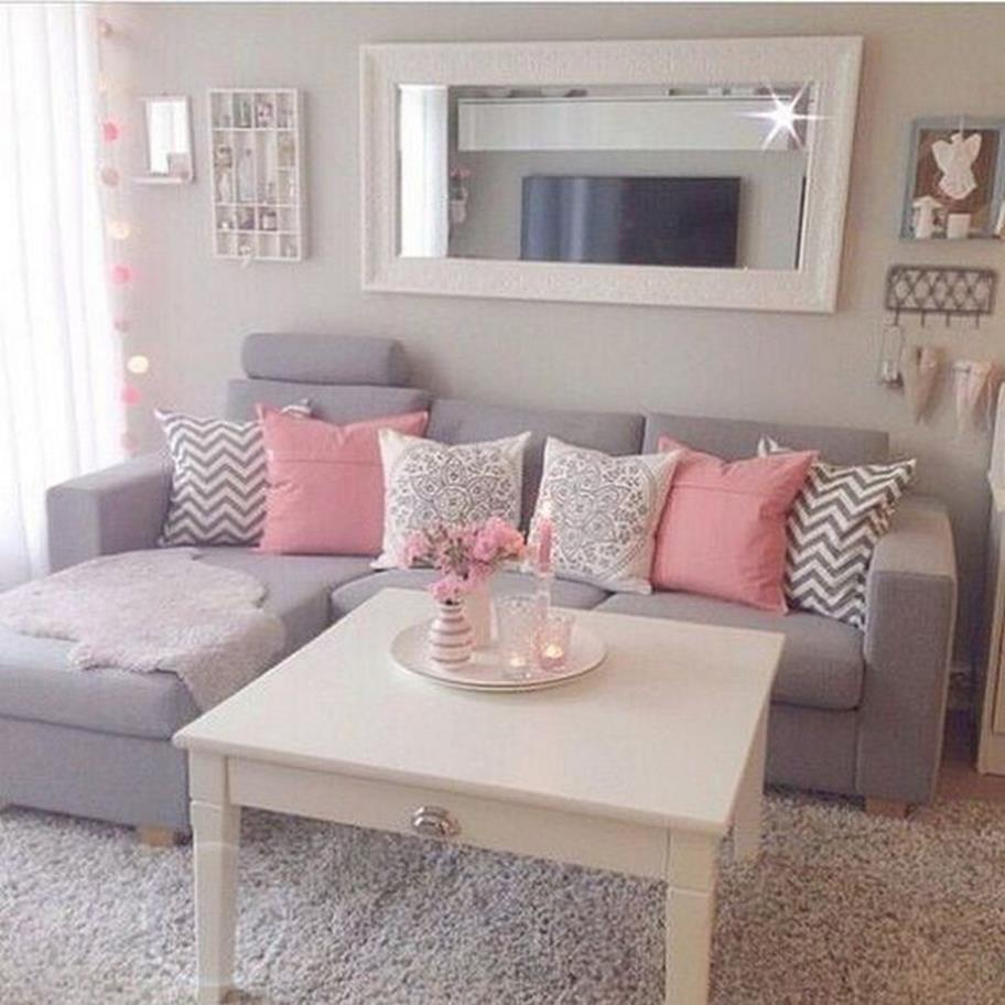 Shabby Chic Living Room Decorating on A Budget 18