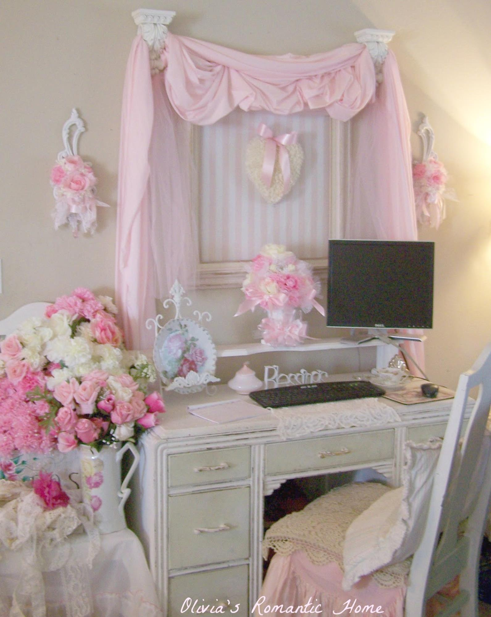 Shabby Chic Living Room Decorating on A Budget 27