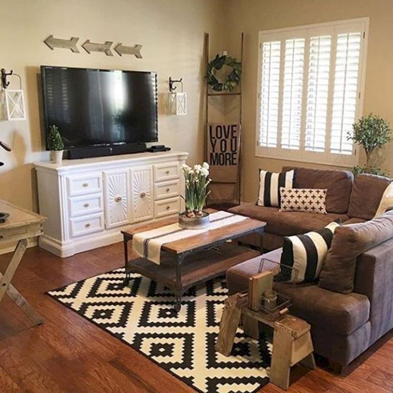Shabby Chic Living Room Decorating on A Budget 6