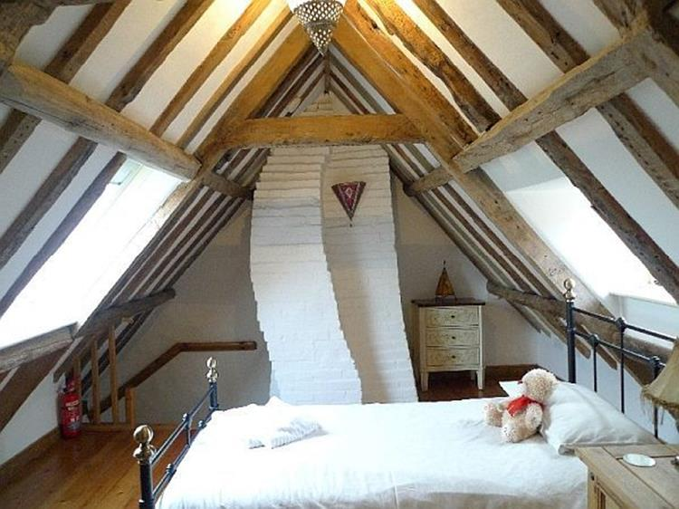 Attic Makeovers Ideas On a Budget 32