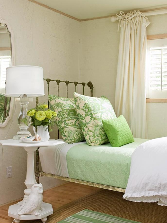 Bedroom Decorating Ideas for Spring 36