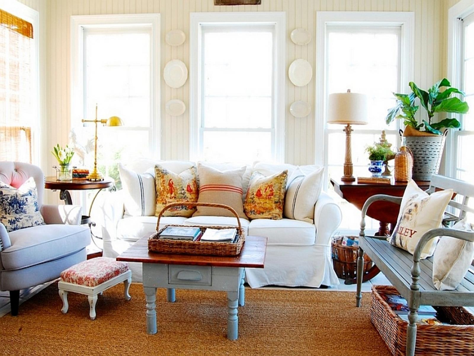 City Chic Living Room Decorating Ideas On a Budget 33