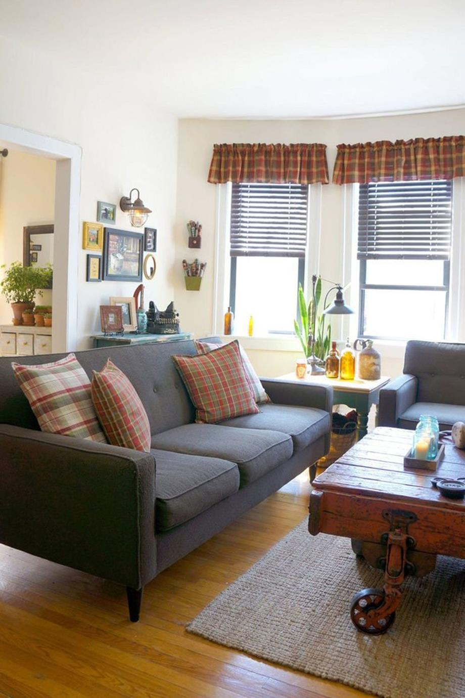 City Chic Living Room Decorating Ideas On a Budget 6