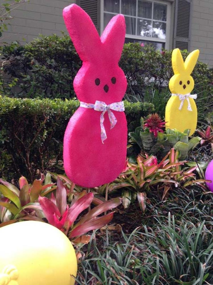 Cute Wooden Easter Decorations for the Outside 21