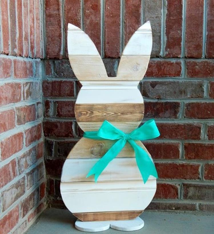Cute Wooden Easter Decorations for the Outside 35