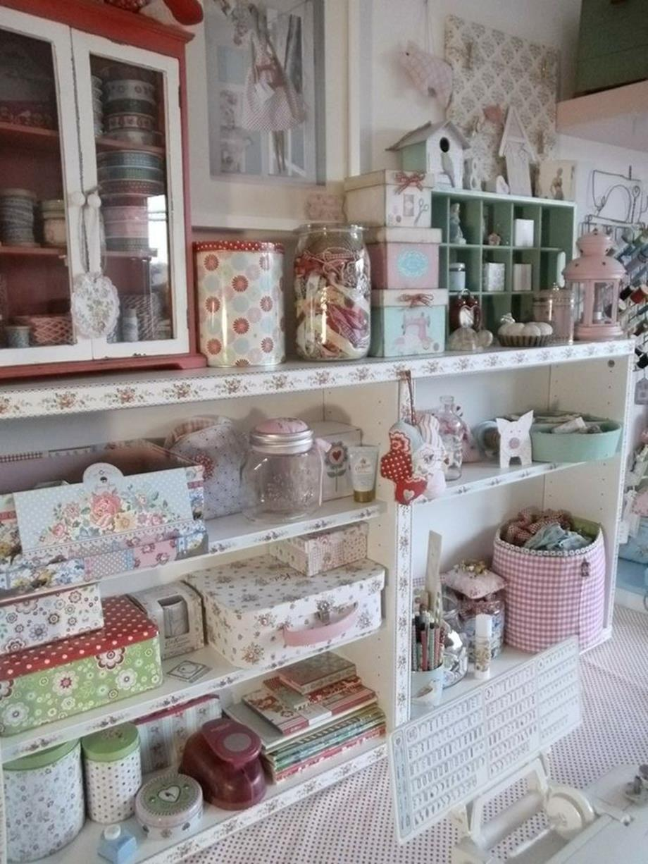 Inexpensive Shabby Chic Craft Table Ideas 29