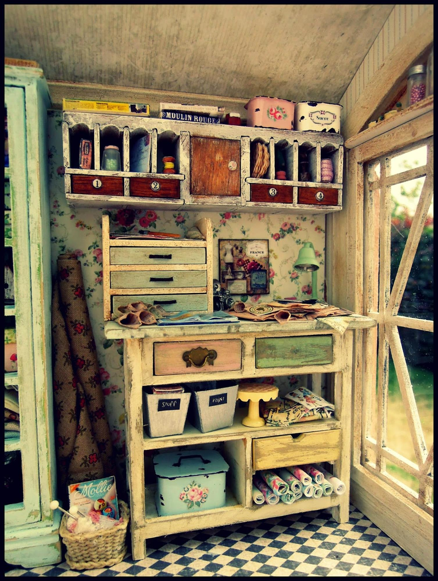 Inexpensive Shabby Chic Craft Table Ideas 47