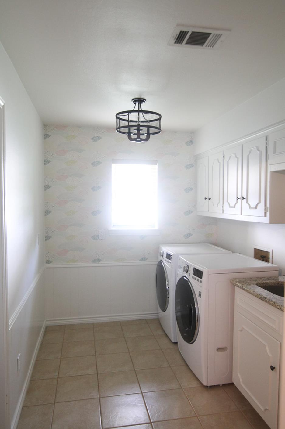 Light Fixtures Ideas For Laundry Room 16