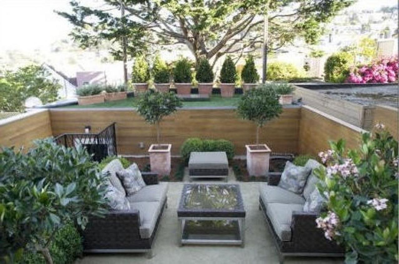 Perfect Small Outdoor Spaces Design Ideas 24