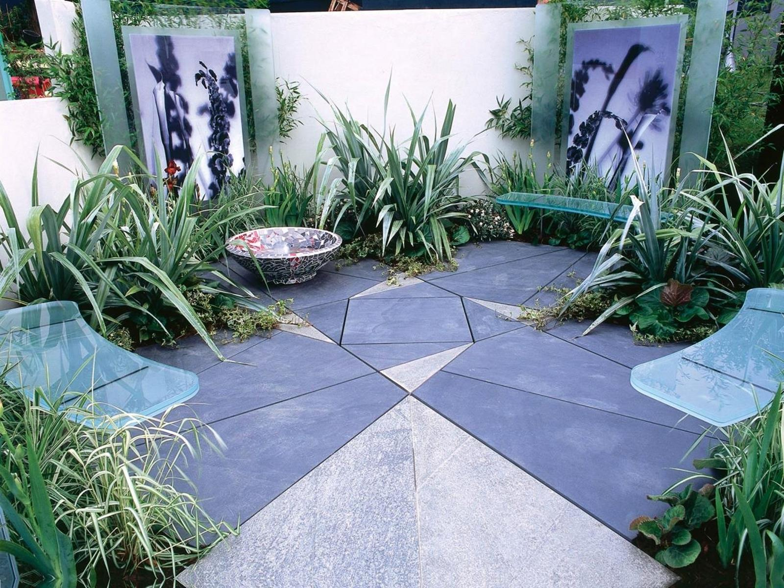 Perfect Small Outdoor Spaces Design Ideas 46