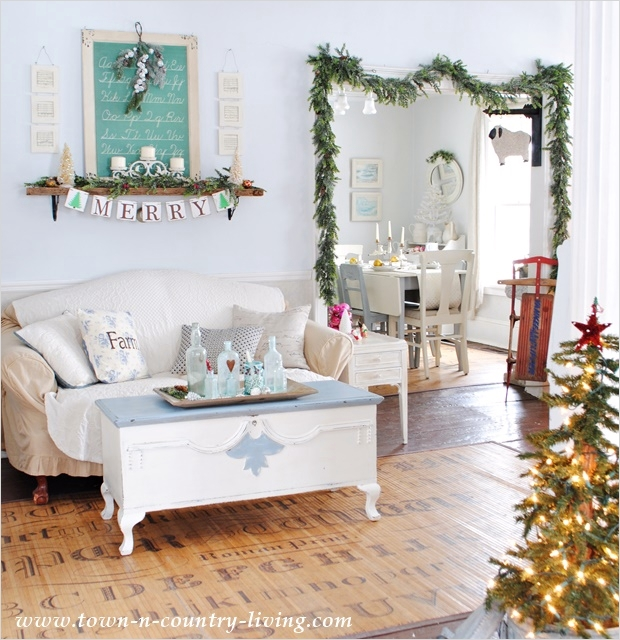 42 Cozy Country Farmhouse Living Room 58 Style House Christmas town Country Living City Farmhouse 9