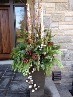 42 Beautiful Christmas Outdoor Pot Decorations Ideas 83 Christmas Outdoor Urn by Carla Mcgillivray Container Flowers & Plants Pinterest 1