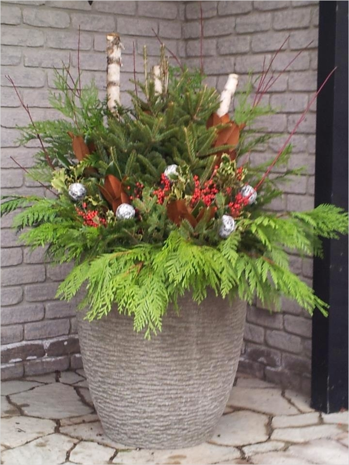 42 Beautiful Christmas Outdoor Pot Decorations Ideas 25 65 Best Christmas All Seasonal Planters Decorating Images On Pinterest 3