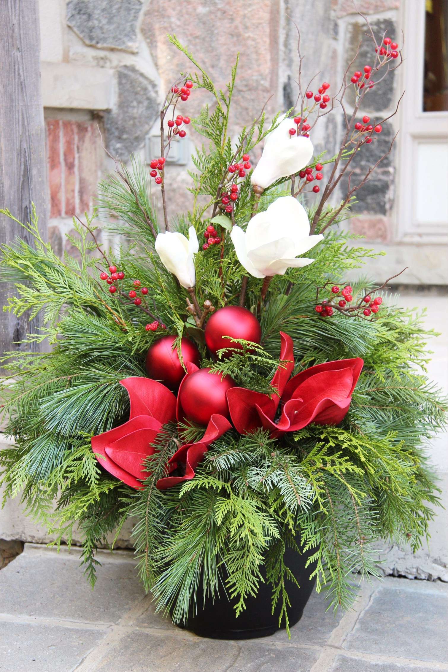 42 Beautiful Christmas Outdoor Pot Decorations Ideas 54 Outdoor Christmas Planter Outdoor Christmas Planters Pinterest 1