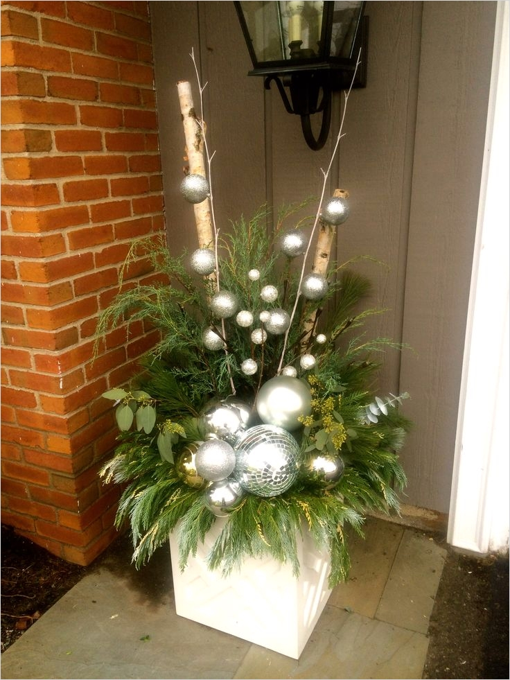 42 Beautiful Christmas Outdoor Pot Decorations Ideas 79 299 Best Images About Outdoor Holiday Planters On Pinterest 9