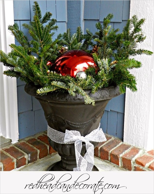 42 Beautiful Christmas Outdoor Pot Decorations Ideas 66 1000 Images About Christmas Outdoor On Pinterest 7