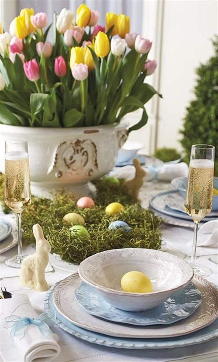 40 Beautiful DIY Easter Table Decorating Ideas for Spring 2019 5