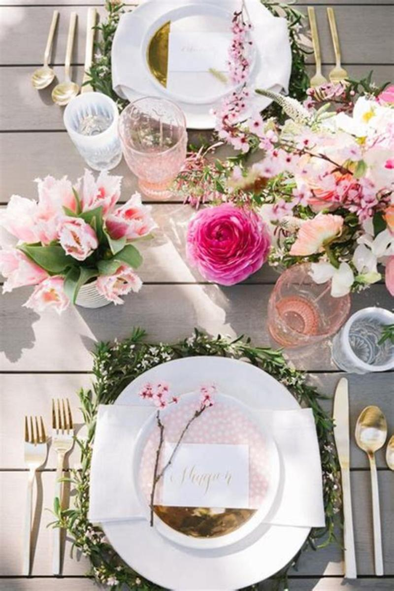 40 Beautiful DIY Easter Table Decorating Ideas for Spring 2019 60