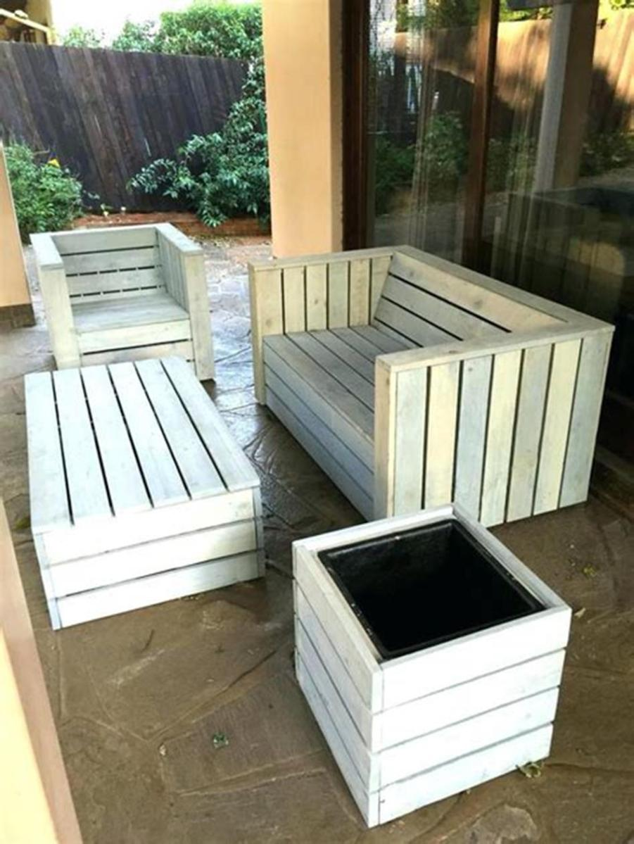 45 Perfect Rustic Porch Furniture Ideas for 2019 42