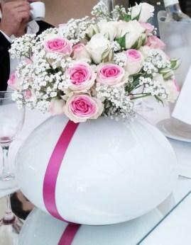 Gros bouquet de roses branchues et de gypsophile