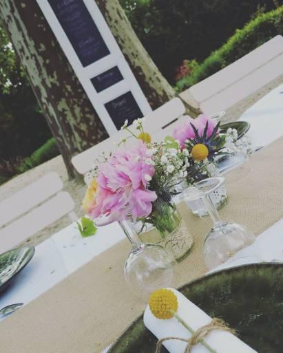 Compositions florales et rond de serviette