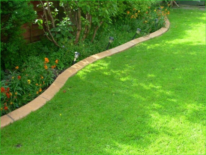 Garden Edging and Borders 85 Examples Of Our Previous Lawn Edging Driveway Edging and Mercial Edging Projects 8