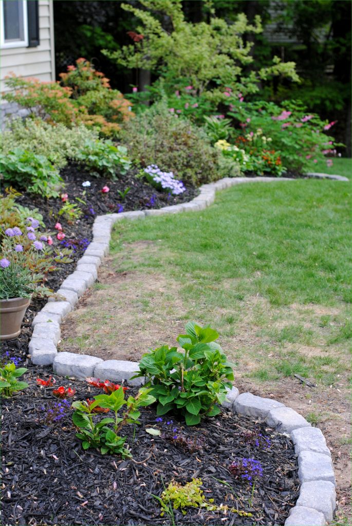 Garden Edging and Borders 36 the Perfect Border for Your Beds Jenna Burger 5