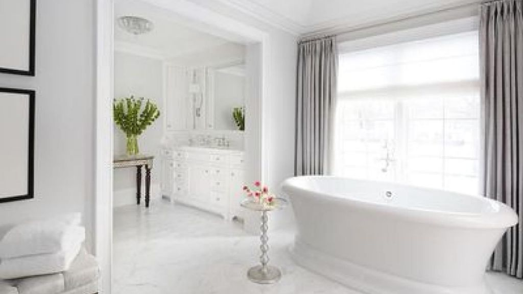 Beautiful Gold and White Bathroom 32