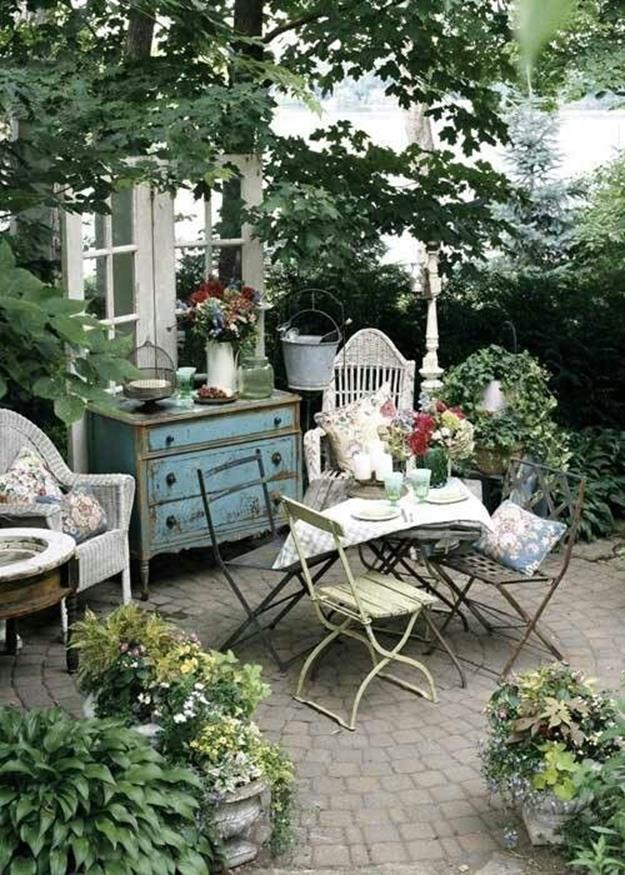 Shabby Chic Garden Decor 74