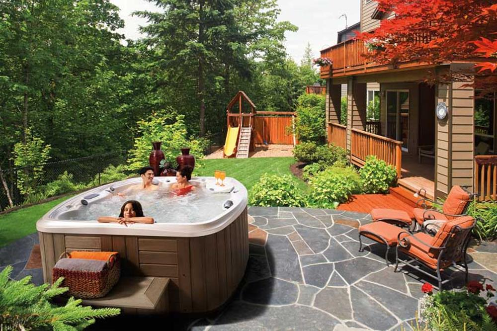 Small Backyard Ideas with Hot Tub 20