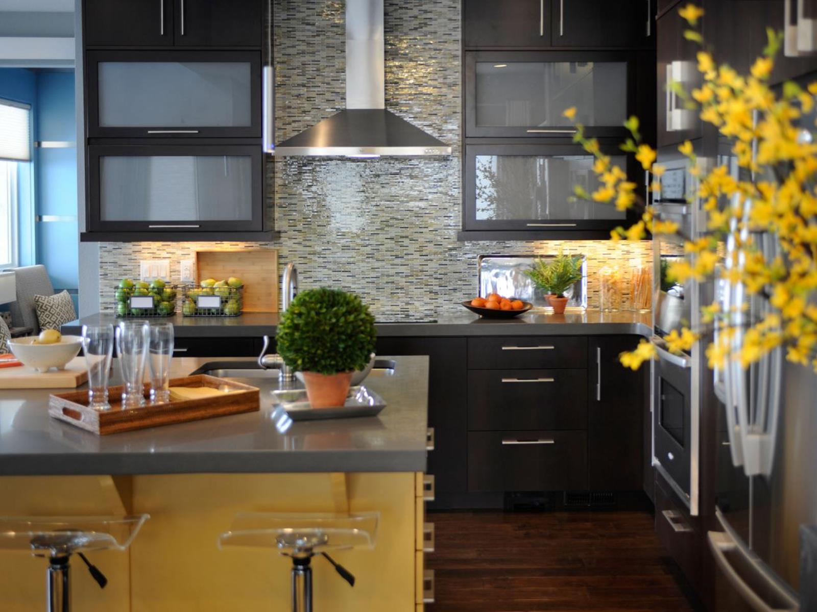 Projects to Make Kitchen More Neat and Beautiful 1