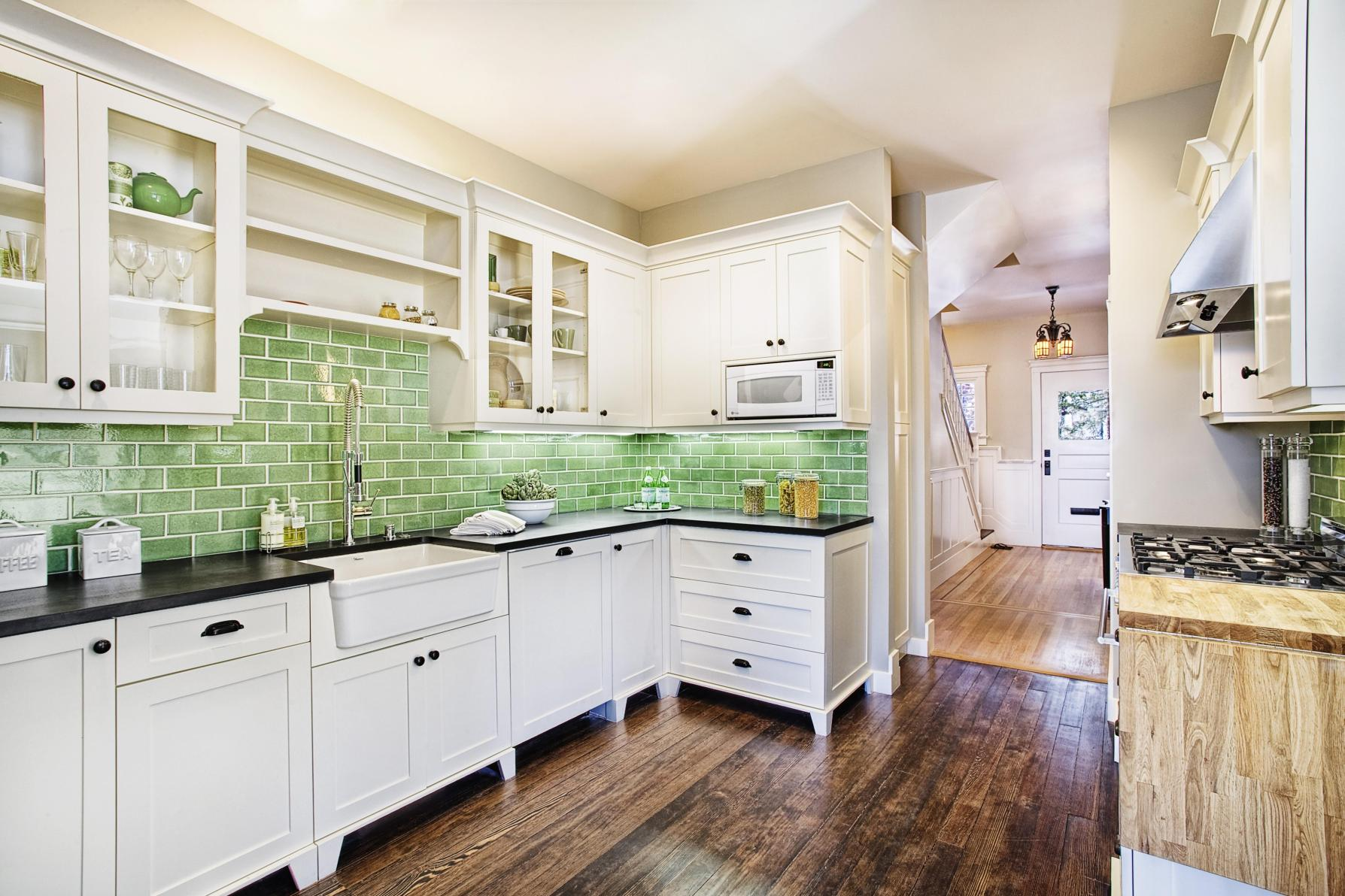 Projects to Make Kitchen More Neat and Beautiful 3