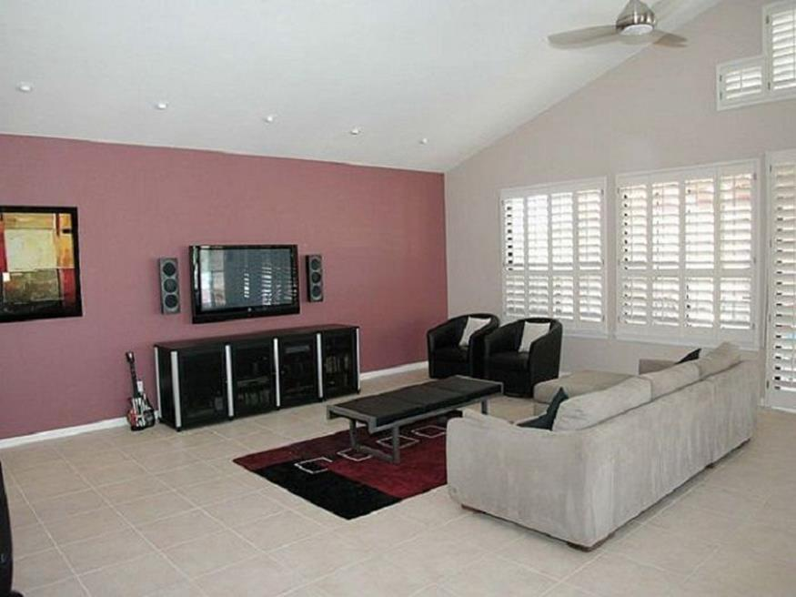 Living Room Accent Wall Color Combinations 18