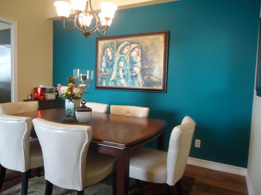 Living Room Accent Wall Color Combinations 19