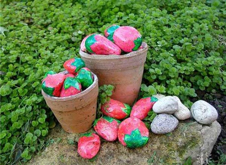 Simple Painted Rock Ideas For Garden 24
