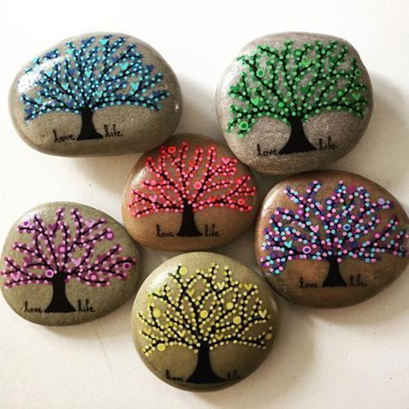 Simple Painted Rock Ideas For Garden 5