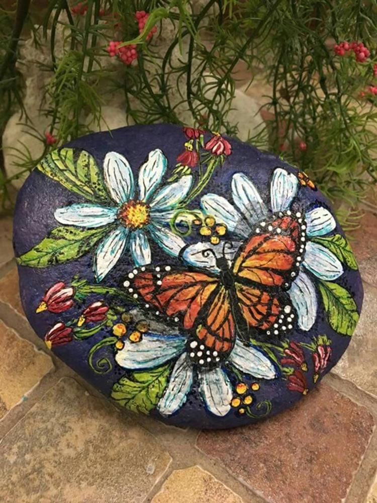 Simple Painted Rock Ideas For Garden 9