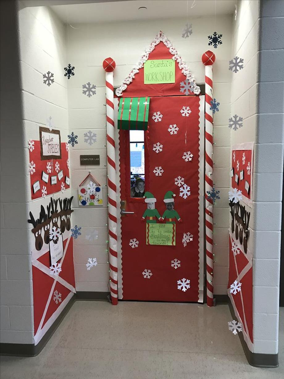 Christmas Door Decorating Contest Winners 13