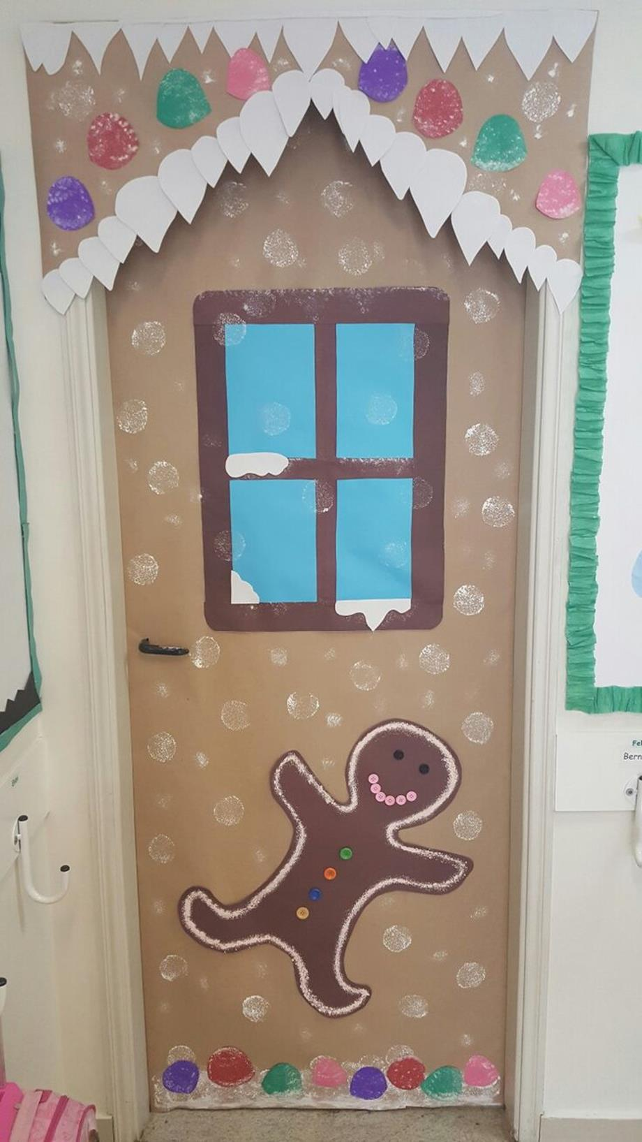 Christmas Door Decorating Contest Winners 22