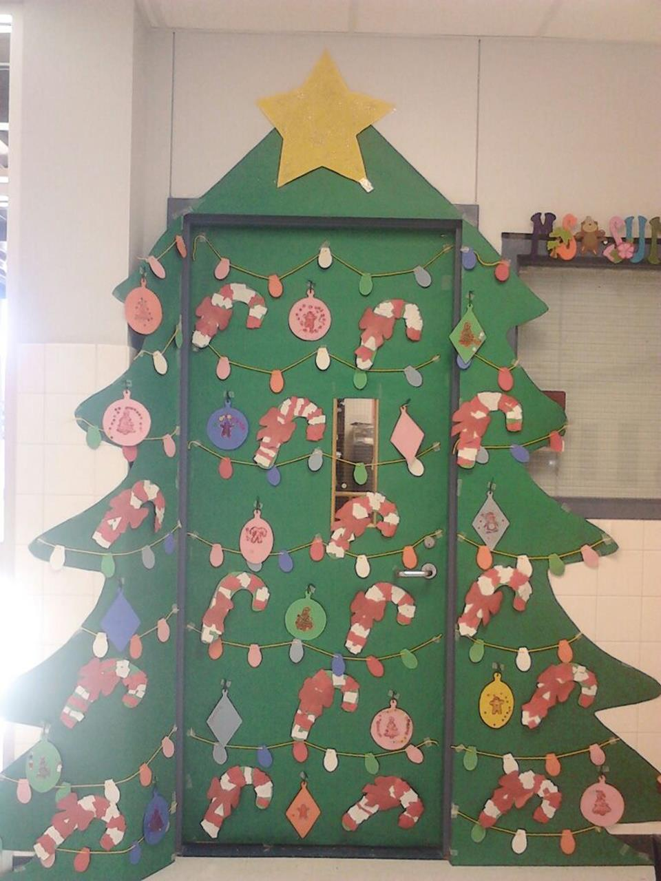 Christmas Door Decorating Contest Winners 29