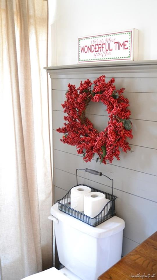 Bathroom with Holiday Wall Decor 9